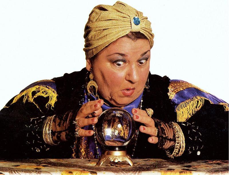 fortune_teller_gypsy_psychic_crysta.jpg